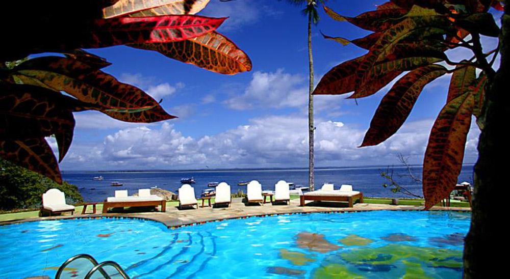 hotel-portalo-piscina